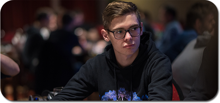 Fedor Holz leading in poker POTY points